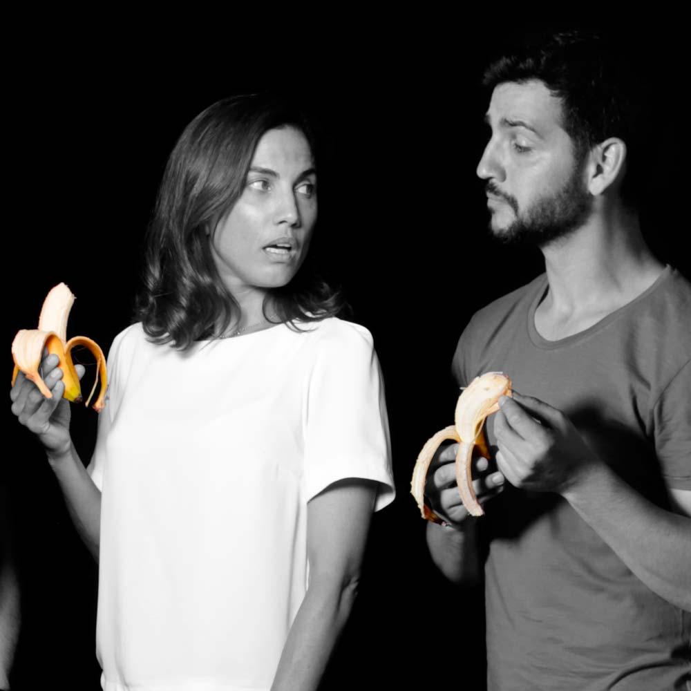 Toni Acosta y Fran Perea llegan a Tenerife con 'La Estupidez' para desenmascarar la codicia